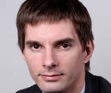 <header>Сергей Аннушкин</header><p>Финансовый аналитик,  Svoy.tech</p>